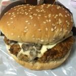 【食レポ】セブンイレブンのグルメバーガー濃厚デミ&マッシュルームの感想を会話してみた