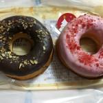 【食レポ】ローソンのふっくら焼きドーナツ2個入(チョコ&ストロベリー)の感想を会話してみた