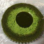 【食レポ】ローソン「濃い茶ロールケーキ(辻利一本店の宇治抹茶使用)」を食べた感想